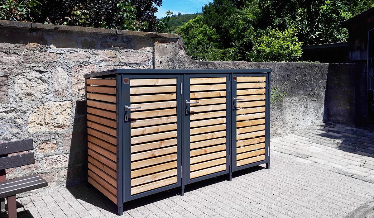 <h5>Mülltonnen-Boxen mit Drehtür aus Holz</h5>