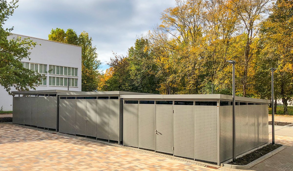 <h5>Mülltonnen-Einhausungen aus Vollblech</h5>