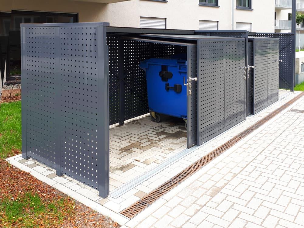 <h5>Platz für Mülltonnen (240 Liter) und Müllcontainer (1.100 Liter)</h5>